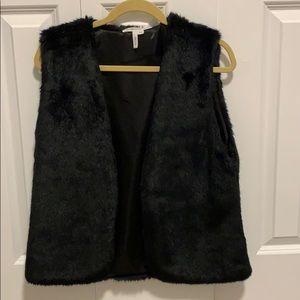Fur Vest (black - BCBGeneration)
